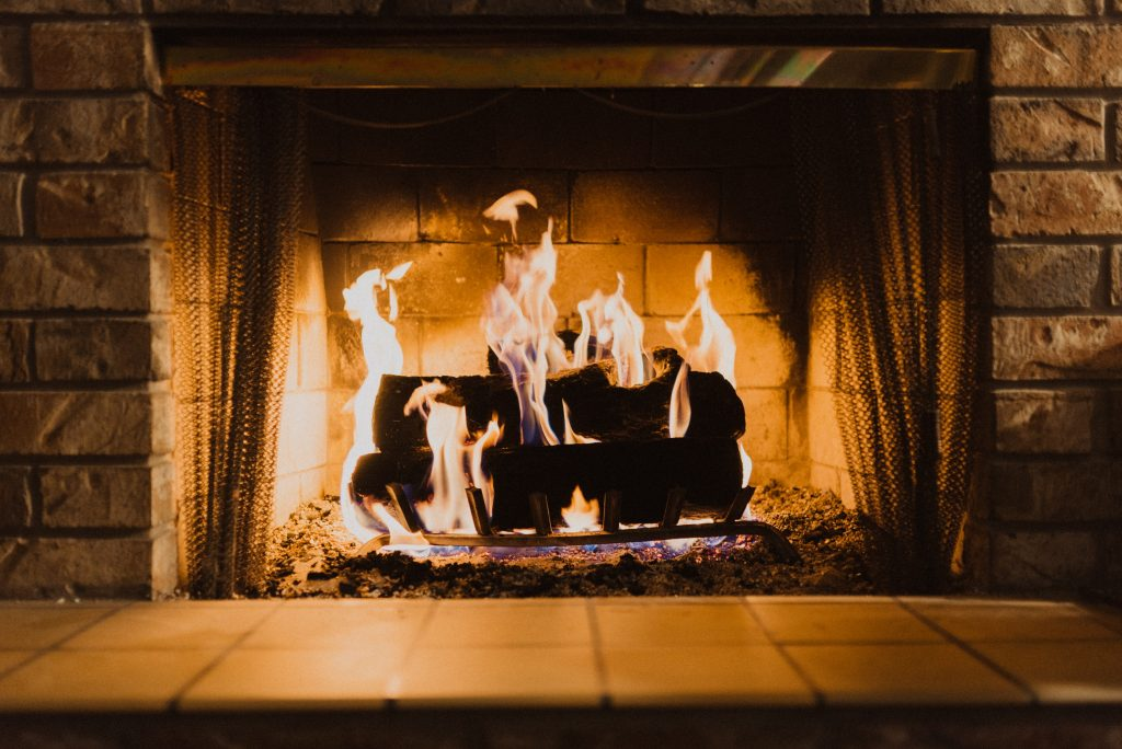 Maintain your fireplace to save energy in Fall
