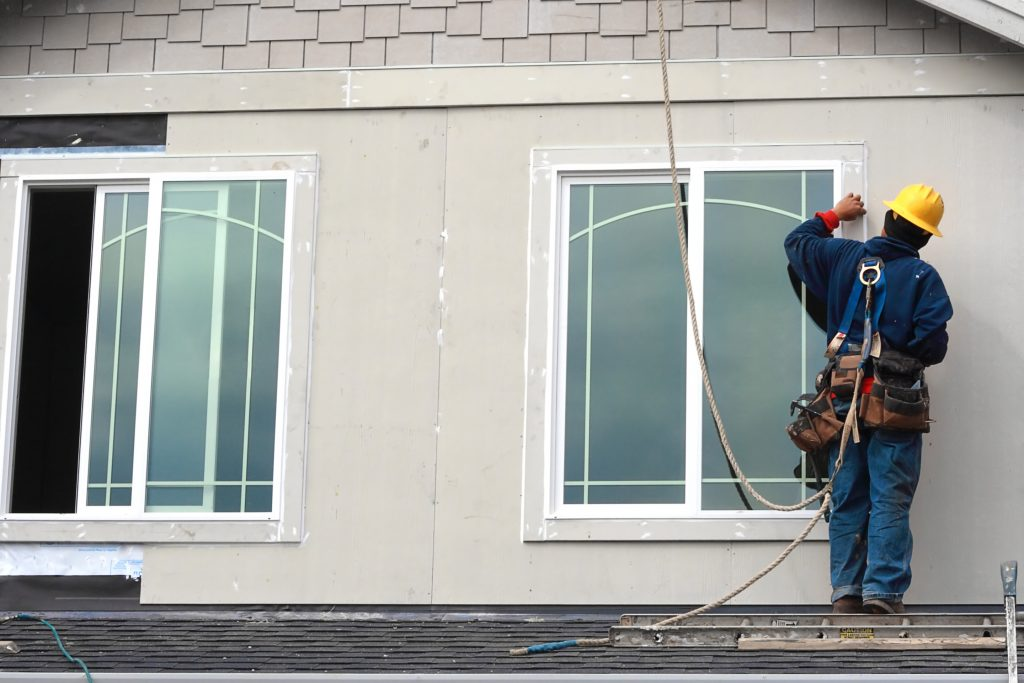 Improve the energy efficiency of abuilding by replacing windows