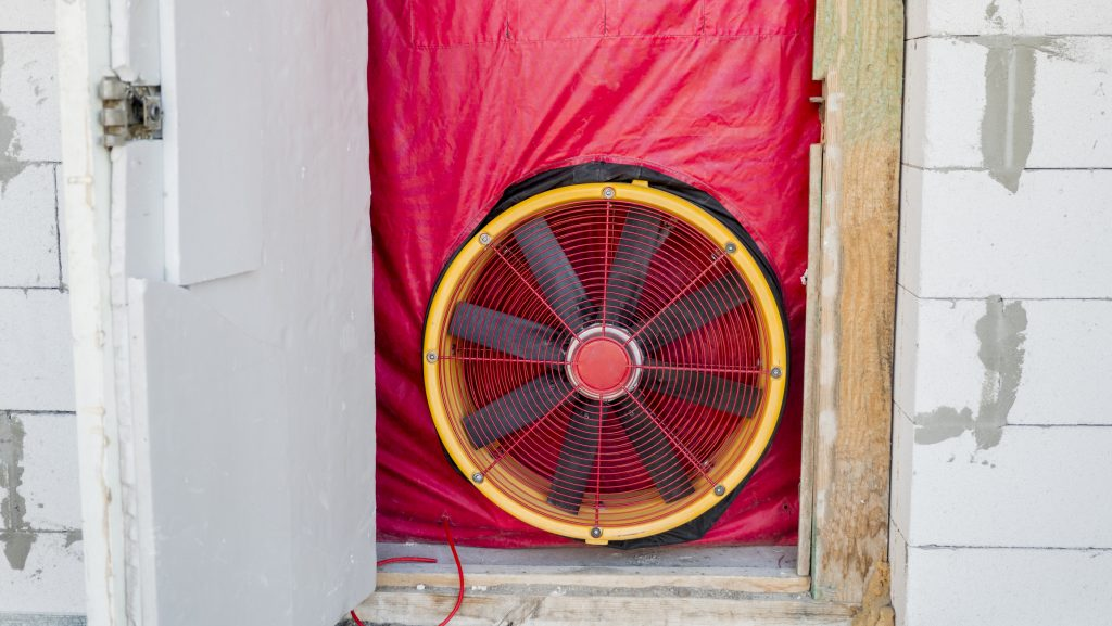 A blower door test determines the energy efficiency of a building
